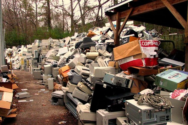 Electronic waste commons.wikimedia.org 660x440