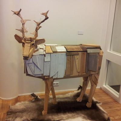Box 3 wooden reindeer iceland